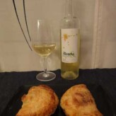 Bodegas Alcorta: Alcorta & Friends Blanco 2011 con Empanadillas de Jamón y Queso