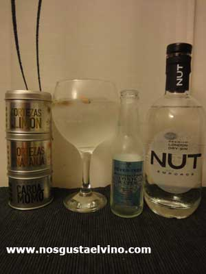 Gin Nut Perfect Serve