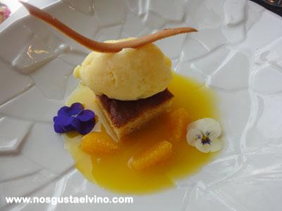 Restaurant Hydrogen Hotel Barcelo Sants Bizcocho de aceite con aroma de naranja y sorbete de mandarina